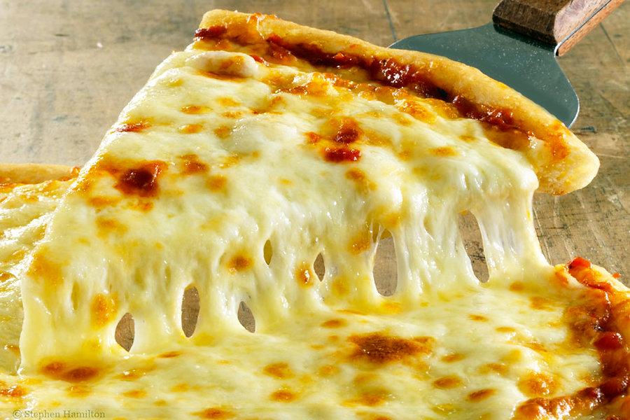 Top-10-Cheese-for-Pizza-Mozzarella-chees