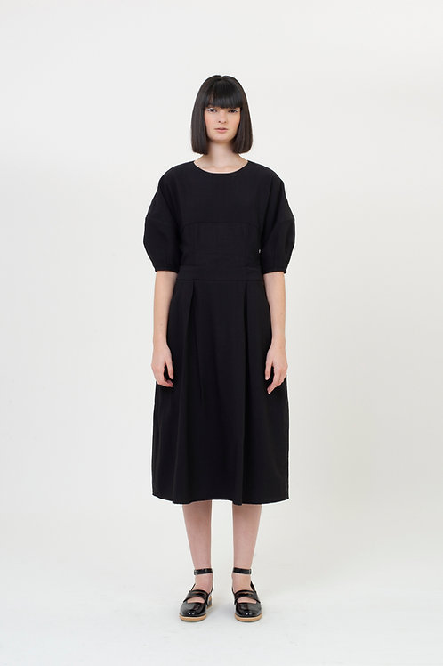ARCH SLEEVES DRESS PATTERN BLACK