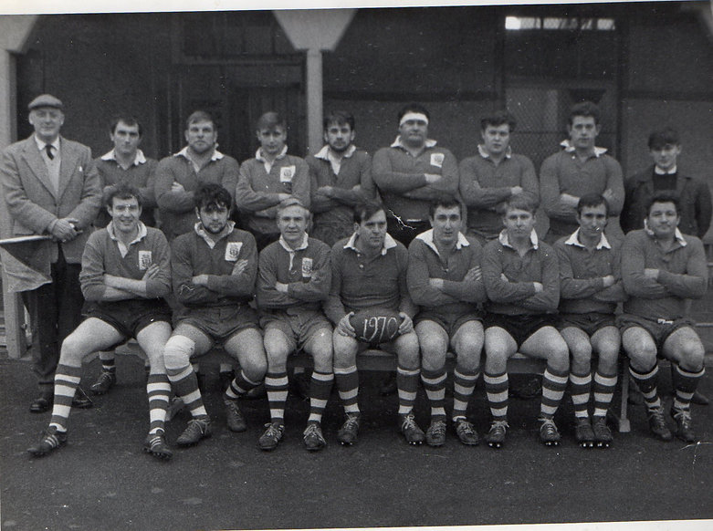 rugbyteamB&W.jpg
