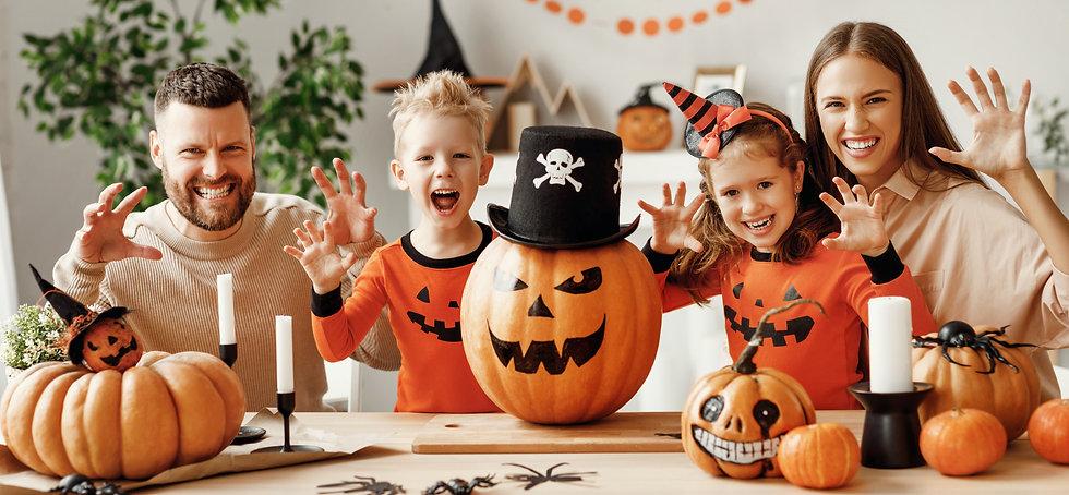 Halloween_Parents_Family_382004989.jpeg