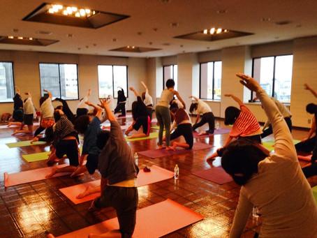 Yoga Workshop at Kyoto University of Foreign Studies 京都外国語大学でヨガワークショップ
