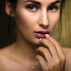 beautiful-beauty-face-1204505_edited.jpg