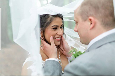 Oh my gosh! I love this veil shot of one