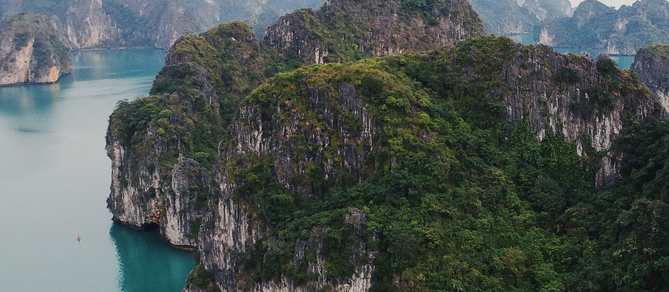 Experiencing The Legend of Halong Bay