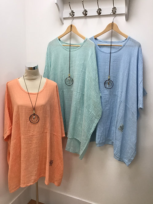 Italian Plus Size Batwing Top With Necklace