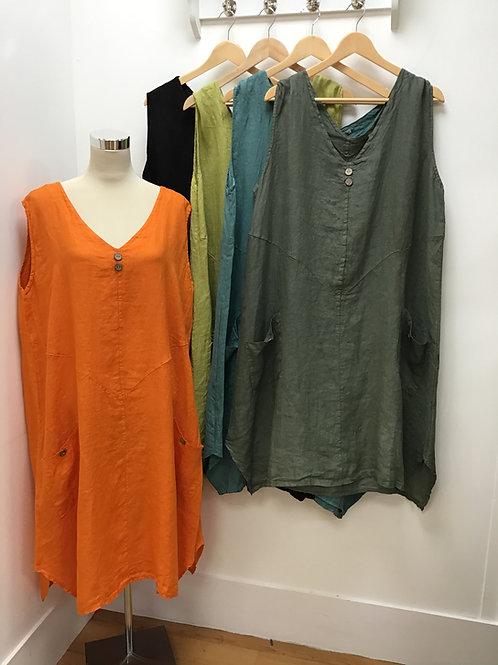 Italian Sleeveless V-Neck Linen Dress With Front Pockets.