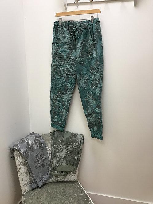Hawaiian 🌺 Flower Print Magic Trousers