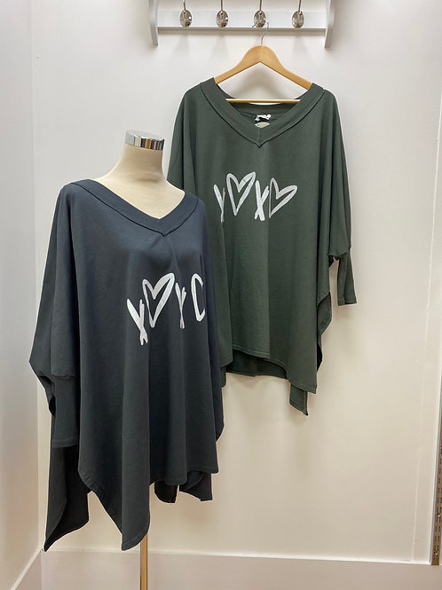 Heart and kisses oversized top