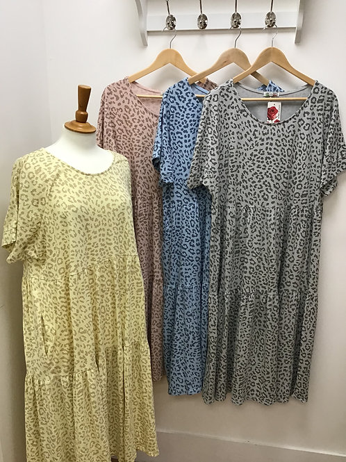 Leopard print tiered pocket dress