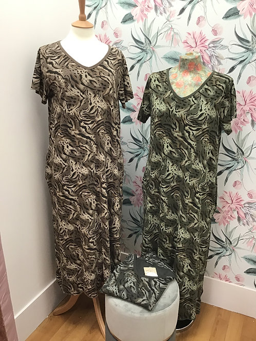 Two pocket Animal Print Maxi Dress
