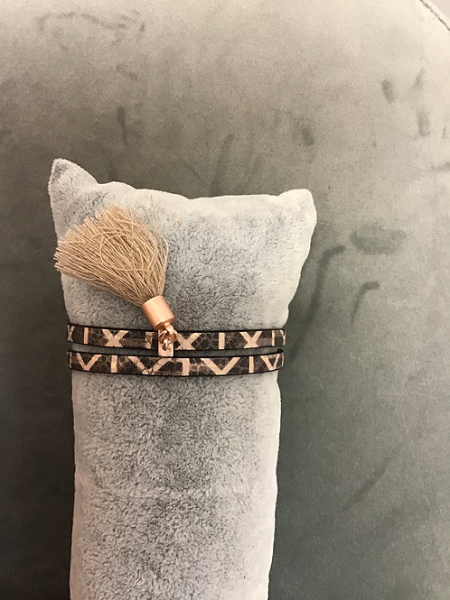 Rose gold patterned tassel bracelet