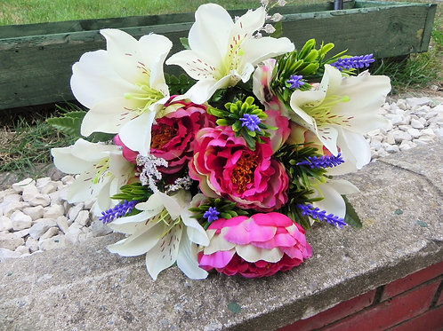 LILY AND PEONY MIXED BUSH WITH LAVENDER IVORY/MAUV