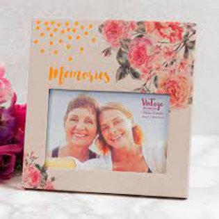 """6"""" x 4"""" - Vintage Boutique Floral Paperwrap Photo Frame"""