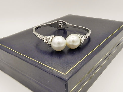 Pearl & Diamante Bangle - SDP6