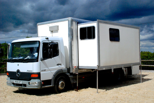 Wardrobe Truck - Southern Film Services