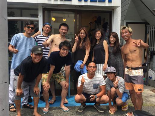 今日の夏真っ盛りサーフィンスクール!!とか!