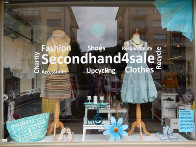 Window Display-Visual Merchandising of a second hand store!