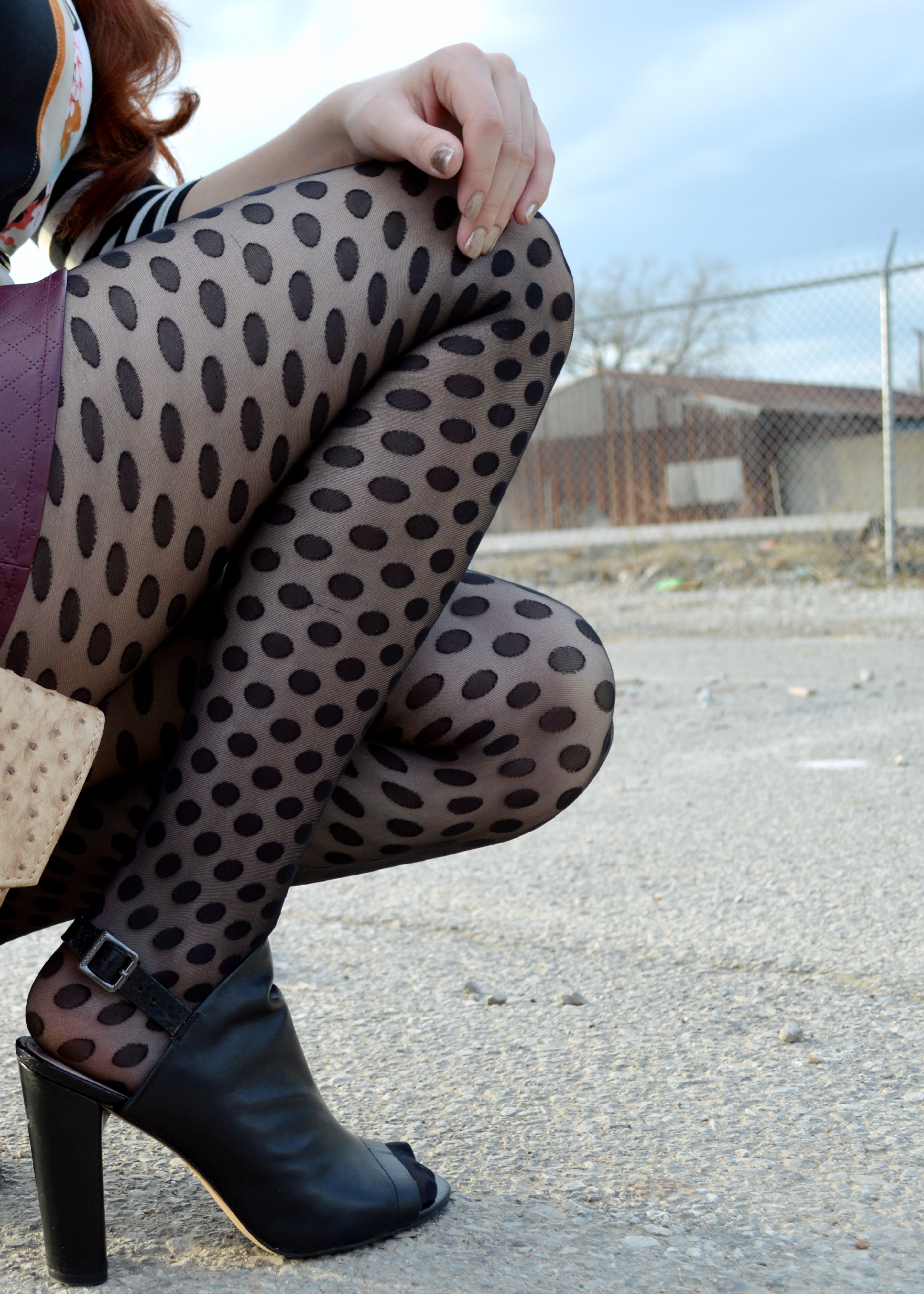 tights with sandals or open toe shoes stylizedu