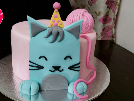 Make this cute Little Kitty Cat birthday cake at home