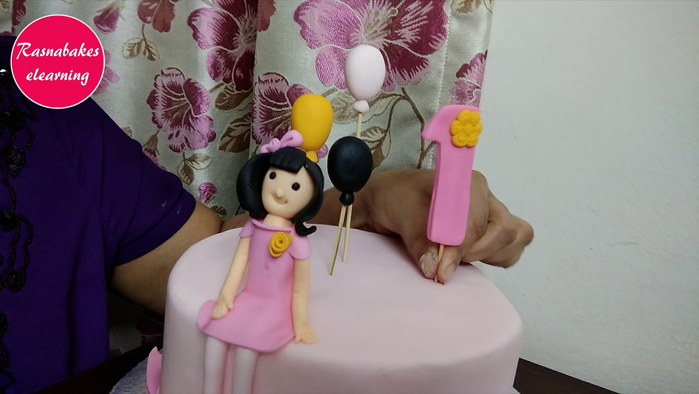 making cake at home