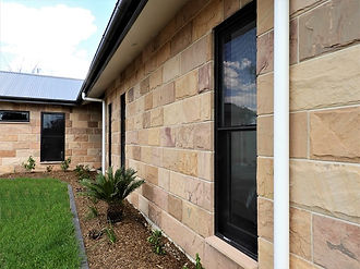Lightweight insulated sandstone wall stone