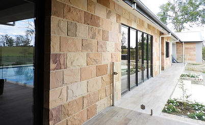 Split faced sandstone cladding veneer stone