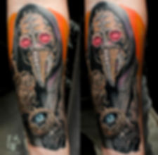 10 часов в общей сложности. Всему, кроме часов - 7 дней, часы свежие. Чумной как бы говорит :цени свое время, а то чума этого мира поглотит тебя)  #tattooartist #art #artwork #tattoo #мастертату #арт #тату #эскизтату #sketchtattoo #tats #tattoos #tattooing #tattooist #tattoomodel #tattoodesign #tattooart #tattooartists #tattoo #tattoolife #ink #like4like #tattooing #tattooekb #follow4follow #татуекб #татуекатеринбург #чумнойдоктор