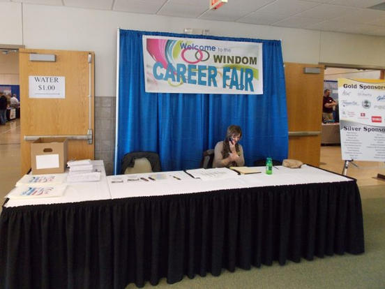 career-fair-2-705x485.jpg