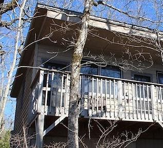 IMG_7982-Cabin-No.-8-Outside-640x427-min