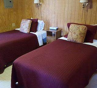 20160416_114012-Cabin-7-Two-Beds-min.jpg