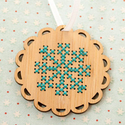 Bamboo Snowflake Ornament Kit