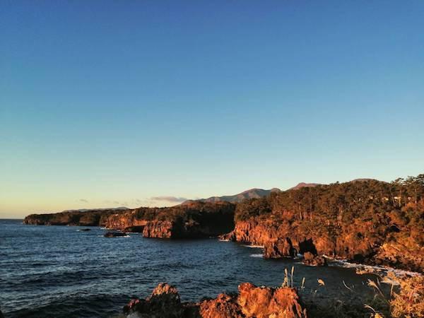 城ヶ崎の海岸風景は圧巻です。ぜひお楽しみください