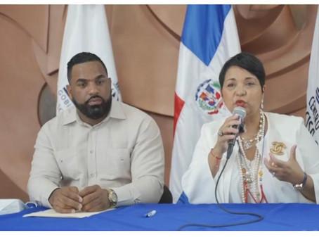 Comisionada Lourdes Batista beneficiará miles de niños y jóvenes mediante acuerdo con el CCNG