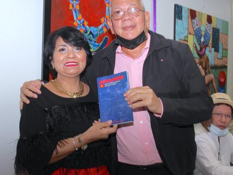 "Comisionado presenta libro ""Revolución: Sigue siendo un problema que espera solución"""