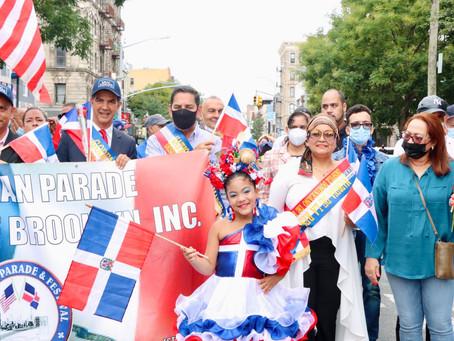 Comisionada Lourdes Batista, desfila en Parada Dominicana Brooklyn como Madrina de la Restauración