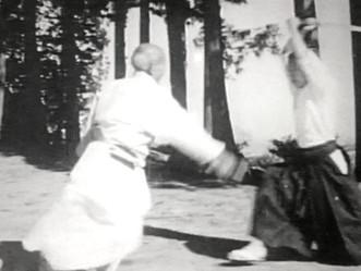 植芝盛平先生は草履で太刀取りされていた