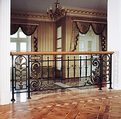 ограждение балконов, перила, поручни и ограждения лестниц