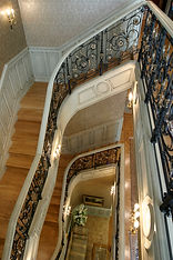 трех этажная лестница кованная