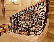 винтовая лестница кованная, ковка лестниц