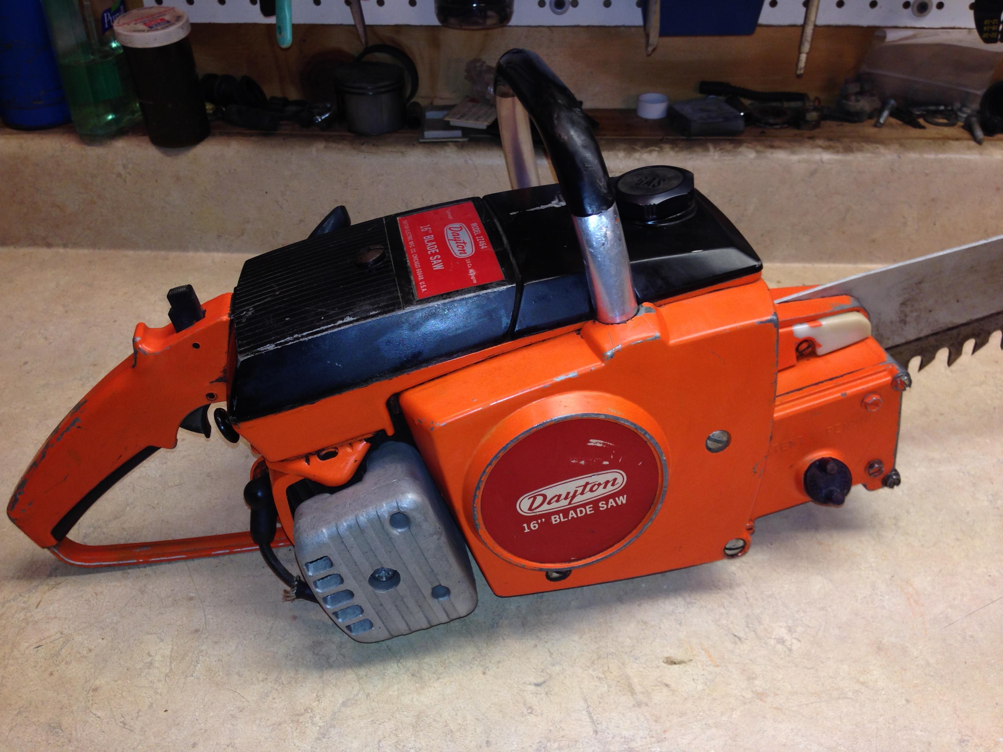 Dayton 2Z464 (Poulan 100) chainsaw #4.JPG