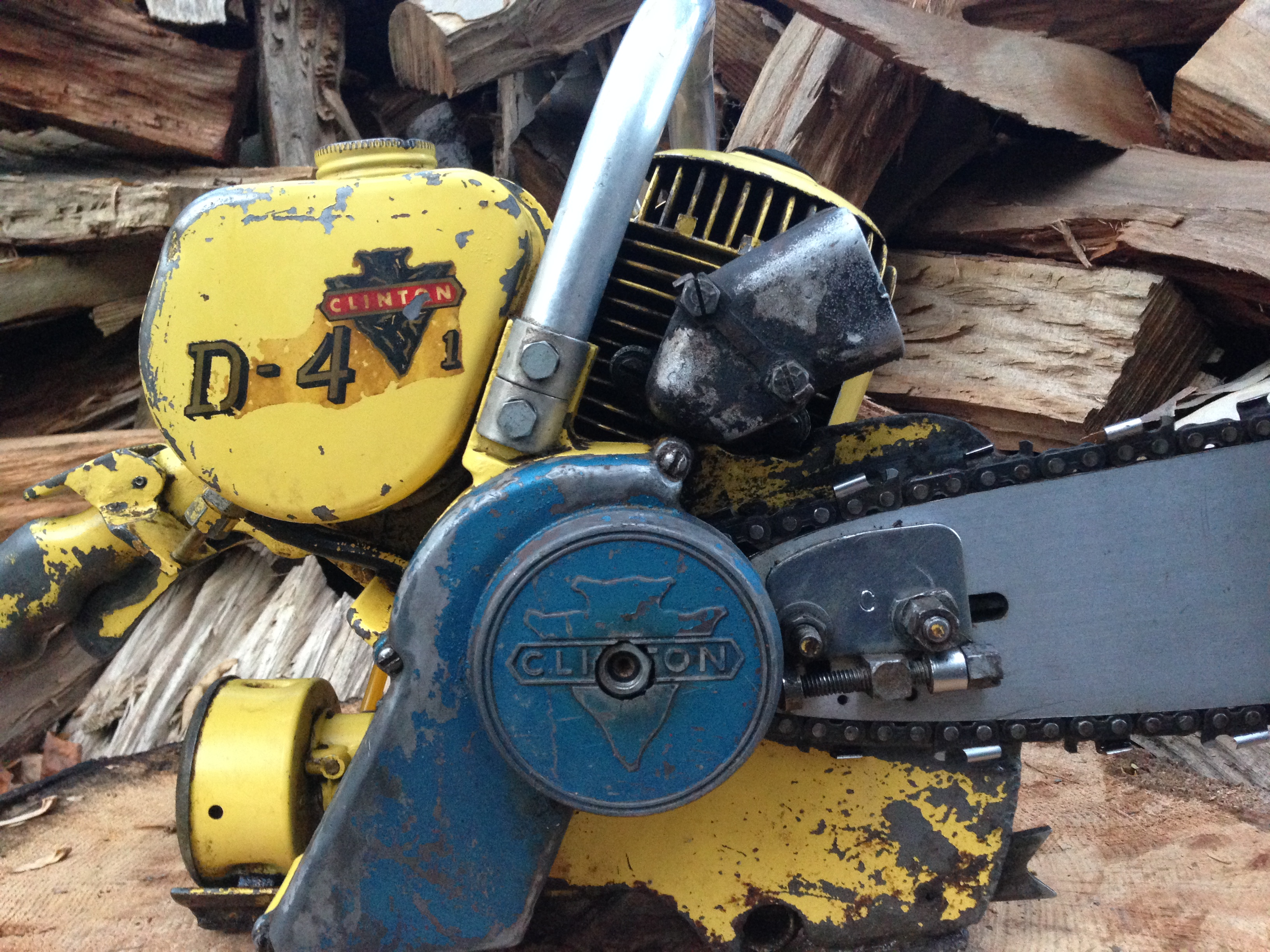 Clinton D4 vintage chainsaw #9.JPG