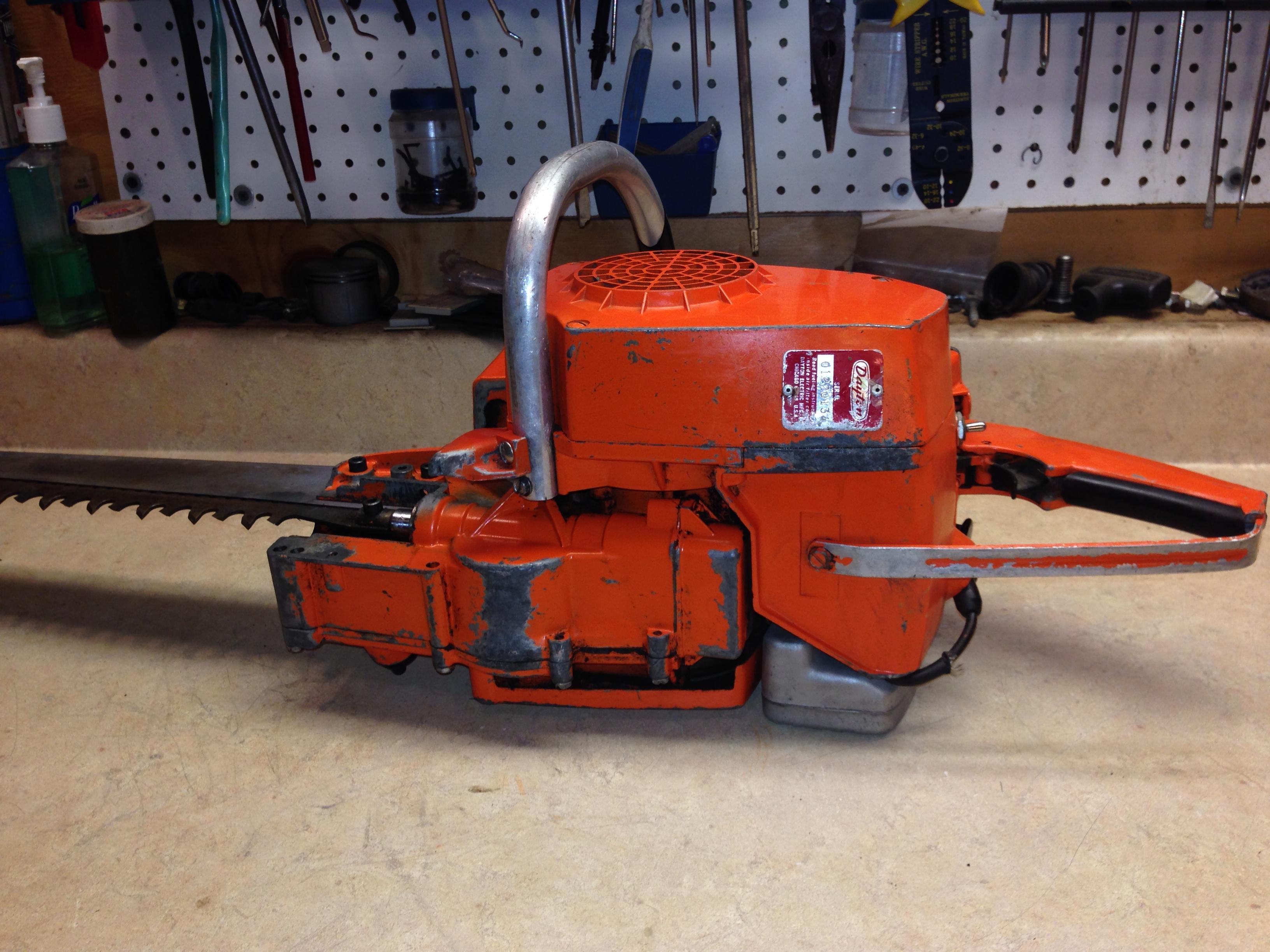 Dayton 2Z464 (Poulan 100) chainsaw #6.JPG