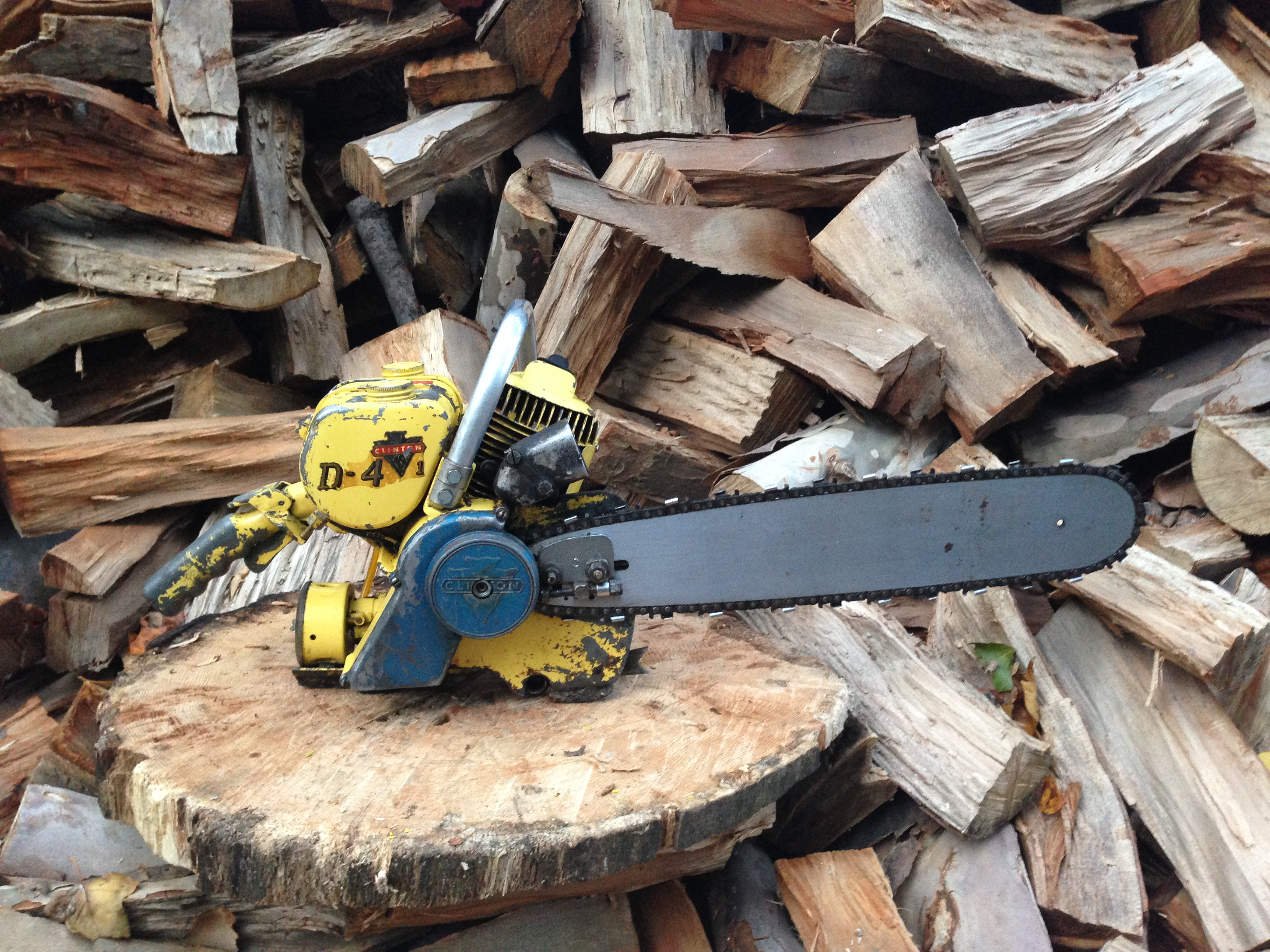 Clinton D4 vintage chainsaw #7.JPG