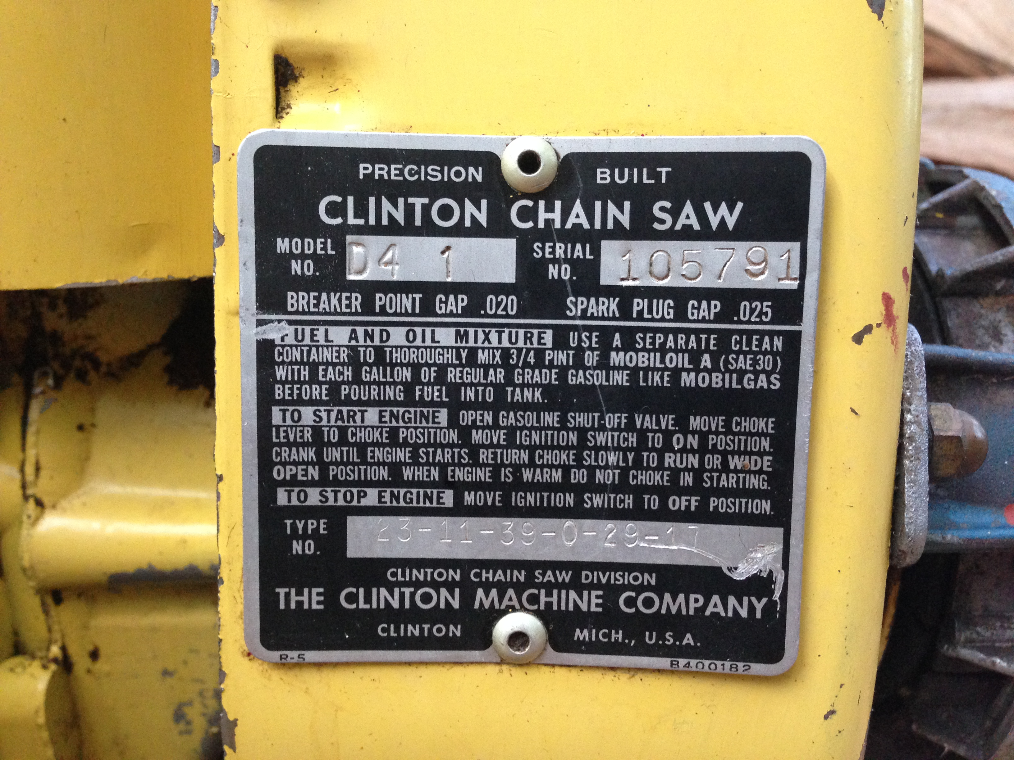 Clinton D4 vintage chainsaw #5.JPG