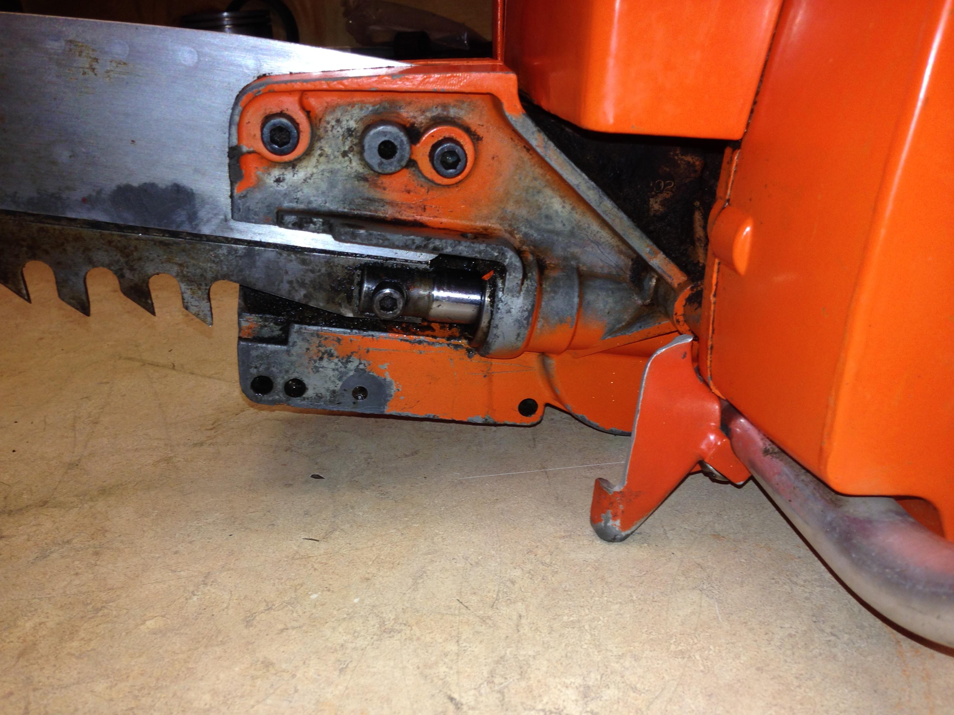 Dayton 2Z464 (Poulan 100) chainsaw #9.JPG