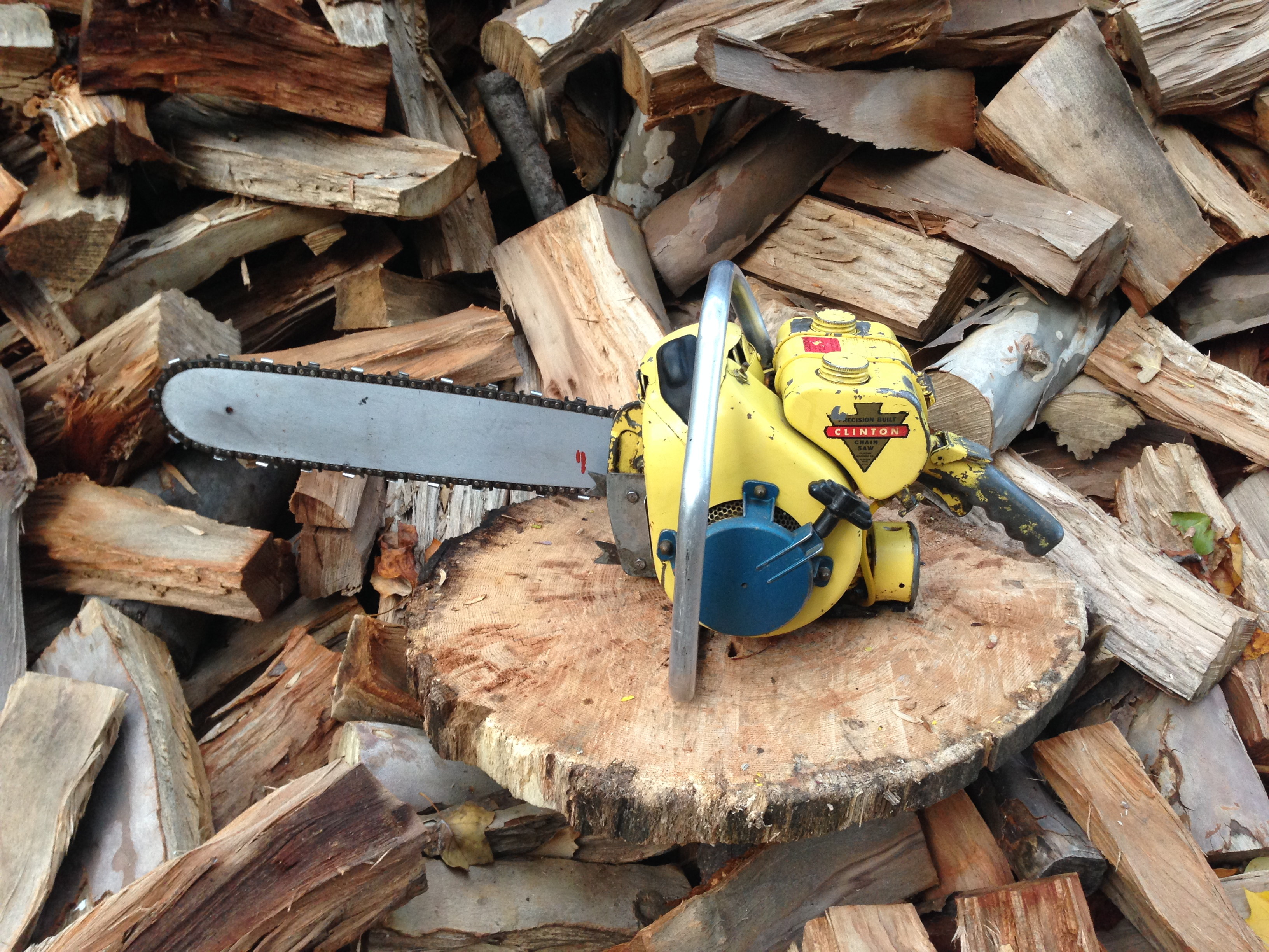 Clinton D4 vintage chainsaw #2.JPG