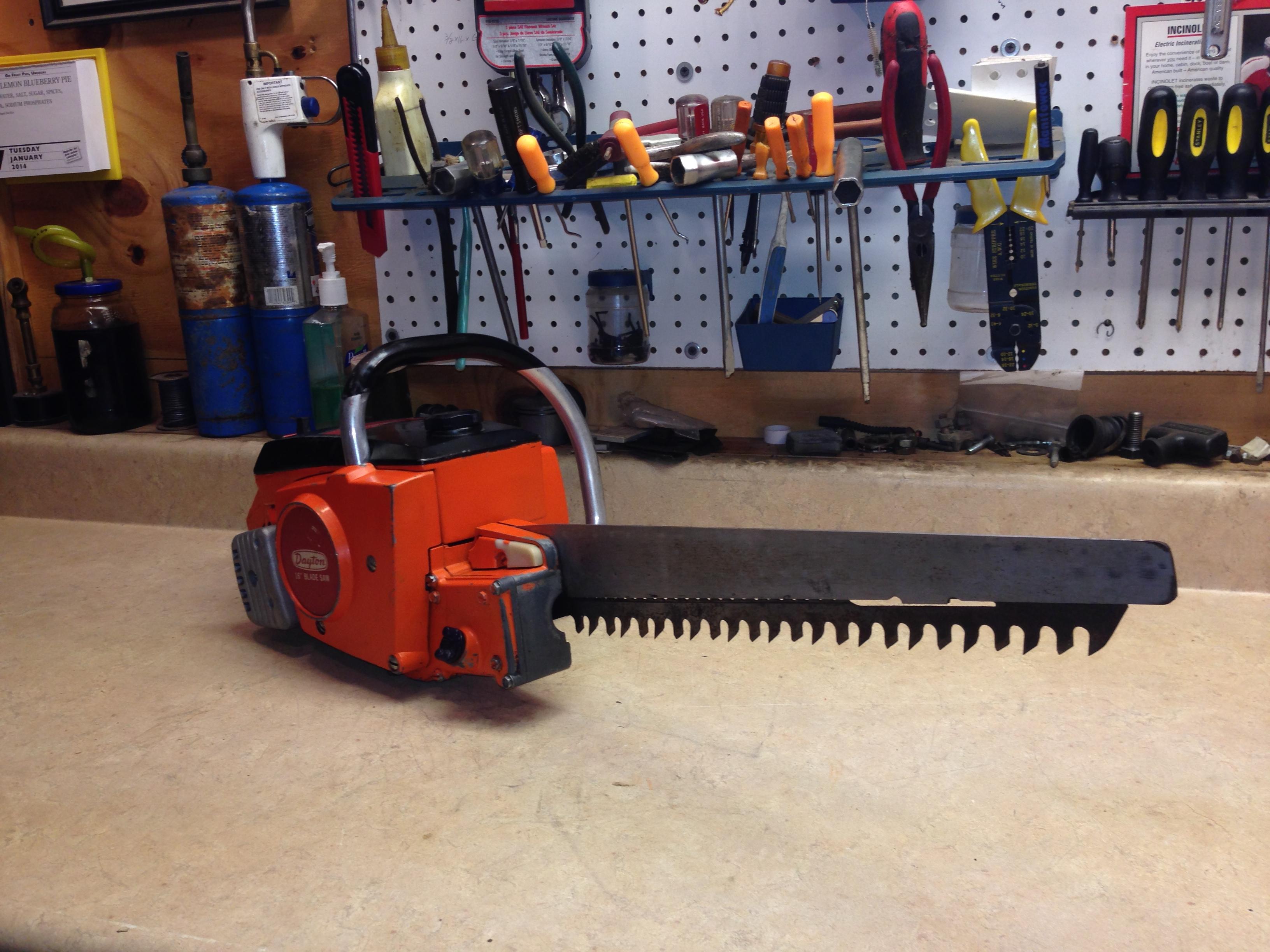 Dayton 2Z464 (Poulan 100) chainsaw #11.JPG