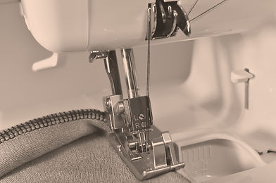 Sewing%20machine%2C%20overlocker%2C%20se