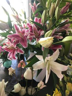 Large Sympthy Bouquet