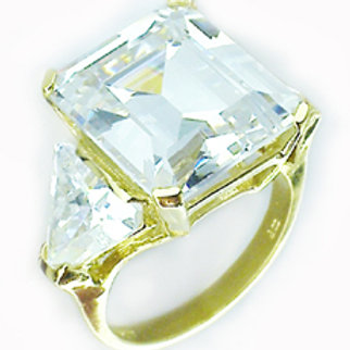 10ct Emerald Cut with Trillions Ring